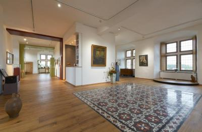 High-tech wood flooring goes medieval:  Lindura adorns a castle museum